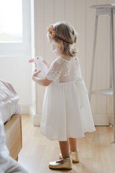 e4df32f5c8d Jeux d enfants - Le Wedding magazine - © Solveig et Ronan Photographes -  robe