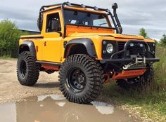Land Rover Defender 90 Tdi pickup truck NAS EDITION customized Twisted ICON extreme adventure sports and Explorer experience. So nice in this yellow. Lobezno.