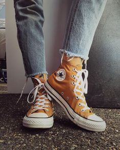 Outfits With Converse, Converse Shoes, Casual Sneakers, High Top Sneakers, All Star, Orange Converse, Aesthetic Shoes, Punk, Vintage Denim