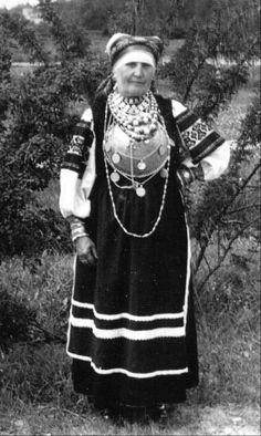 FolkCostume&Embroidery: Costume and Embroidery of the Seto, Estonia