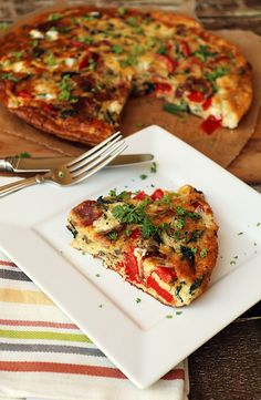 for the plane ride - Bacon, Red Pepper, and Mozzarella Frittata | Shared via www.ruled.me