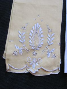 Lot of 3 Vintage Linen Guest Hand Tea Towels by TotallyLinens