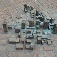 Relief map of downtown Dallas, Texas, showing the skyscrapers in the area   Photo: fashionwindows