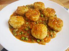 Te encantarán las albóndigas de merluza en salsa del blog ALEGRÍA EN LA COCINA. Le Chef, Empanadas, Kids Meals, Salmon, Seafood, Food And Drink, Healthy Eating, Tasty, Fish