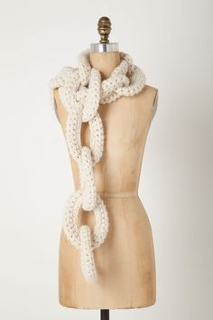 Must learn how to knit this chain link knitted scarf from Anthropologie