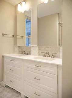 19 Best Custom Vanities Small Space Bathroom Solutions Images