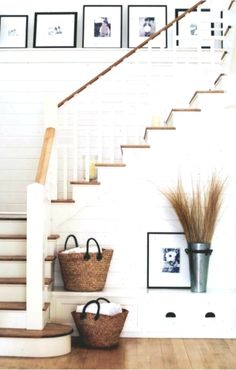 rustic farmhouse inside design concepts that may encourage your subsequent rework Farmhouse Stairs, Farmhouse Interior, Rustic Farmhouse, Black Iron Beds, Antique Beds, Water Bed, Inside Design, Design Research, Types Of Doors