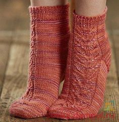Knitting Socks, Knit Socks, Slippers, Clothes, Fashion, Slipper, Tights, Dots, Tejidos