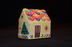 Needlepoint gingerbread house - Yellow Fruit Slices