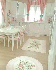 Shabby Chic Curtains, Shabby Chic Pink, Shabby Chic Decor, Luxury Kitchen Design, Interior Design Kitchen, Farmhouse Kitchen Decor, Home Decor Kitchen, Rideaux Shabby Chic, Interiores Shabby Chic