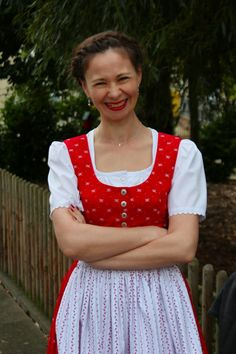 sewing galaxy: Mein Dirndl Sewing, Clothes, Outfits, Dressmaking, Clothing, Couture, Sew, Clothing Apparel, Stitching