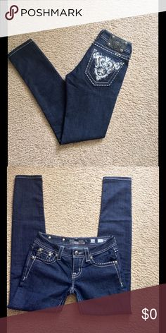 Miss Me Jeans Miss Me Skinny Blue W/ Bling on pockets!Women's Size 25 inseam 31NWOT ! Miss Me Jeans Skinny