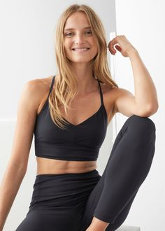 Yoga Trousers, Slim Fit Trousers, Yoga Bra, Black Bra, Yoga Tops, Yoga Fashion, V Cuts, Fashion Story, Pretty Outfits