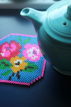 DIY perler bead crafts - Perler Bead Trivet - Easy Crafts With Perler Beads - Cute Accessories and Homemade Decor That Make Creative DIY Gifts - Plastic Melted Beads Make Cool Art for Walls Jewelry and Things To Make When You are Bored Perler Bead Designs, Diy Perler Bead Crafts, Diy Perler Beads, Perler Bead Art, Plastic Bead Crafts, Melted Bead Crafts, Hama Beads Patterns, Beading Patterns, Hama Beads Coasters