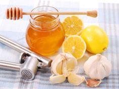 REMEDIO PARA INFECCIONES: licuar unos dientes de ajo, de acuerdo con el humor (de 1 a 5) con una cantidad de jugo de limón adecuada, poner una cucharada de miel y se deja reposar dos minutos antes de tomarlo, para que el limón tenga tiempo de actuar sobre el ajo. Beberlo. (si solo es un ajo beberlo mañana y noche por 6 días aprox.). Cura todo. La infección de garganta, las vías urinarias, las intoxicaciones de la sangre , etc.