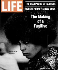 Life Magazine September 190 The Making of a Fugitive Angela Davis Angela Davis, American Women, American History, Black Hair History, The Good Life Magazine, Black Magazine, Jackson, Life Cover, Black Panther Party