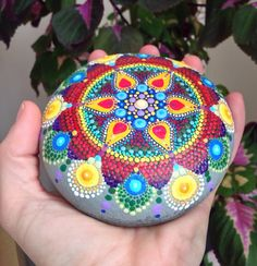 Plucked from beautiful Lawrencetown Beach, Nova Scotia, this beach stone has been hand-painted with hundreds of colourful dots and it is one of the largest I have made to date. The stone has been coated in 2+ layers of protective matte finish. It measures approximately 11cm x 11cm and is about 3-4cm thick. It weighs 684g and is shipped in its own box (shown in photo). For orders outside Canada and USA, item shipping rate does not include tracking. Please contact me if you would like to…