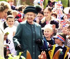Queen's record reign: milestones of our steadfast sovereign in pictures - Photo 25 | HELLO!