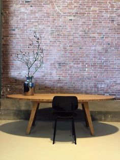 A-legs Bamboo, ovale tafel   by Arp