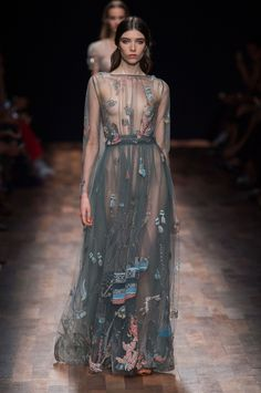 Valentino at Paris Fashion Week Spring 2015 - StyleBistro