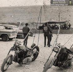 Custom Harleys, Custom Bikes, Old Scool, Old School Chopper, Bike Engine, Vintage Biker, Classic Harley Davidson, Bobber Chopper, Viking Age