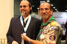 Shaykh Hamza being given a medal from the Boy Scouts of America (Muslims Troop).