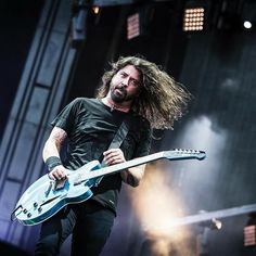 Foo Fighters Nirvana, Foo Fighters Dave Grohl, Country Song Quotes, Country Music Lyrics, Fake Smile Quotes, Country Girl Problems, Star Pictures, Star Pics, Royal Blood