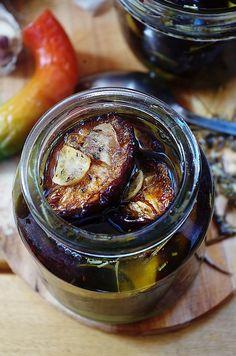 Настоящий деликатес! Вяленые сливы с чесноком, травами и солью — Вкусные рецепты