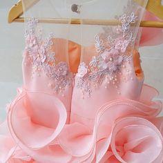 #welovesdetails ---Scarlett dress--- #customade #honeybee_kids #honeybeekids #happychildres #thankyoufortrusting