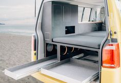 Camping expansion and modules for VW / California Beach and Multivan, complete … - Van Life Vw Caravan, T5 Camper, Mini Camper, Tour Bus, Auto Camping, Camping Places, California Beach Camping, Vw Sharan, Bmw Autos
