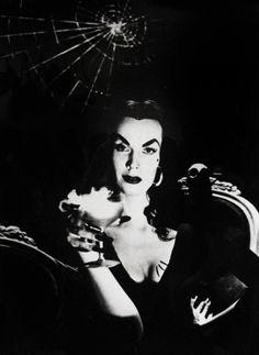 Martinis with Vampira.