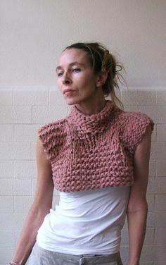 Dusky Pink Bamboo cropped tank / vest / sweater por ileaiye en Etsy