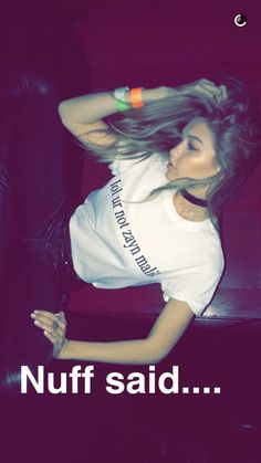 "Pin for Later: Gigi Hadid Found a Hilarious — and Stylish — Way to Avoid Getting Hit on During a Night Out Gigi Stepped Out in a T-Shirt That Had a Quick — and Hilarious — Rejection Message on It Hailey Baldwin snapped a shot of her top, which said ""lol ur not zayn malik."""
