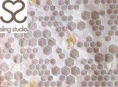 Sling Studio bee Wrap (silk, linen) - About Wrap Bees Wrap, Baby Wraps, Baby Wearing, Silk, Studio, Wrapping, Pattern, Board, Patterns