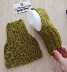 – # Informations About Keine Beschreibung des Fotos verfüg - Crochet Socks, Knit Or Crochet, Knitting Socks, Baby Knitting, Crochet Baby, Gestrickte Booties, Knitted Booties, Knitted Slippers, Knitting Patterns Free