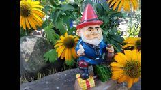 Funny Garden Gnomes for the 2016 Holiday Shopping Season