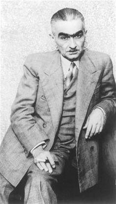 Monteiro Lobato (1882-1948). Maior escritor infantil do Brasil. Além dos famosos personagens do Sítio do Pica pau amarelo criou também o Jeca Tatu, que tornou-se símbolo da realidade rural brasileira.