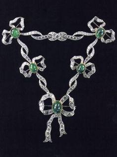Empress Alexandra Feodorovna's Emerald Parure (devant-de-corsage)1