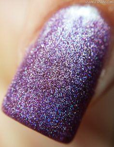 Dynamic Polish #macro #nails #nailpolish #holographic #holonails #supportindies