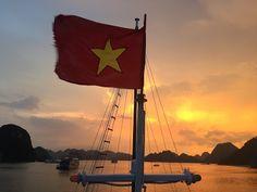 """Bienvenidos a """"LLoret Halong"""", la bahía llena hasta la bandera! (Nin Bih - Bahía del Halong"""