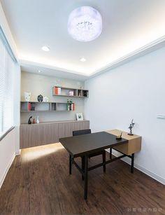作品(100)好室佳樣品屋 Corner Desk, Projects, Furniture, Home Decor, Corner Table, Log Projects, Room Decor, Home Furnishings, Home Interior Design