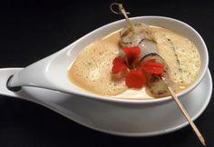 Mit dem Rezept vom Küchenchef der 5* Thermenwelt Hotel Pulverer - Loystubn, können Sie die Kürbiscremesuppe mit karamellisierten Jakobsmuscheln nachkochen!