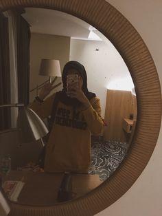 -@saviracantikam #mirrorselfie #mirror #girl #potd #hijab Casual Hijab Outfit, Ootd Hijab, Hijab Chic, Modern Hijab Fashion, Hijab Fashion Inspiration, Muslim Fashion, Hijabi Girl, Girl Hijab, Muslim Girls