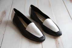 SIZE 9 N Enzo Angiolini White Black Leather Color by 601VINTAGE, $40.00