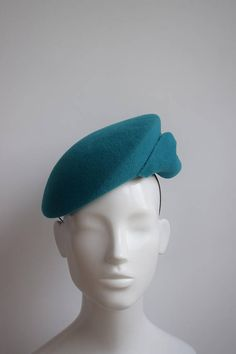 81ca414bdfef9 Items similar to Teal Velour Felt Cocktail Hat - Teal Green Blue Fascinator  - Turquoise Headpiece - Winter Wedding Hat - Winter Races Hatinator - Wool  Felt ...
