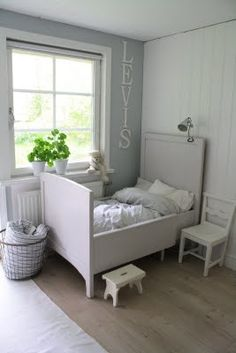 Love the name letters and little stool Kids Room Design, Boy Room, Child Room, Little Girl Rooms, Baby Room Decor, Kid Spaces, Kid Beds, Kids Decor, Girls Bedroom