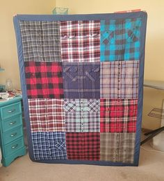 How to Sew a Memory Pillow Out of Shirts – JMB Handmade – Baby Pillow Case Memory Pillow From Shirt, Memory Pillows, Memory Quilts, Custom Embroidered Patches, Memory Crafts, Quilting For Beginners, Easy Quilts, Dad To Be Shirts, Quilt Tutorials