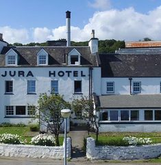 Isle of Jura Hotel on the beautiful Isle of Jura in the Inner Hebrides, Scotland. Jura accommodation booking, restaurant, information and camping. Isle Of Jura, Travel Pictures, Scotland, To Go, Island, Mansions, House Styles, Places, Travel Photos