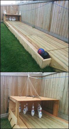 27 Creative DIY Backyard Games For Inexpensive Outdoor Fun Incredible Backyard DIY Bowling Lane Backyard Games, Backyard Landscaping, Backyard Bbq, Backyard Playground, Cheap Backyard Ideas, Lawn Games, Backyard Movie, Garden Games, Playground Ideas