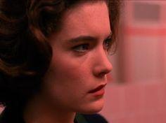 In Twin Peaks: EPISODE 4